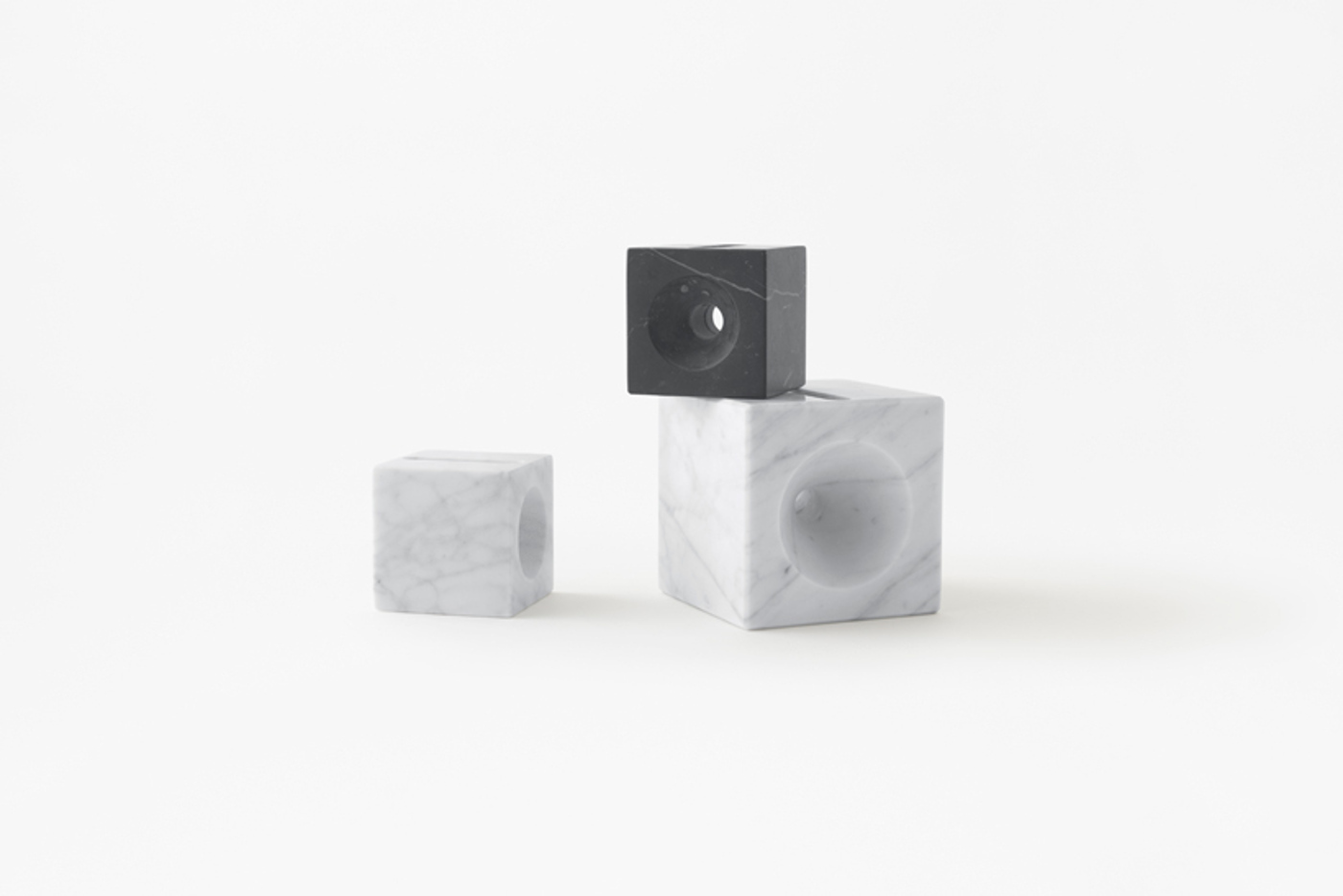 16. marsotto cube shaped candle stand and smartphone speaker 1400